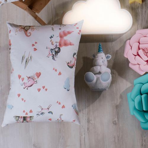 Travesseiro-Infantil-Altenburg-Candy-Love-Ambientada