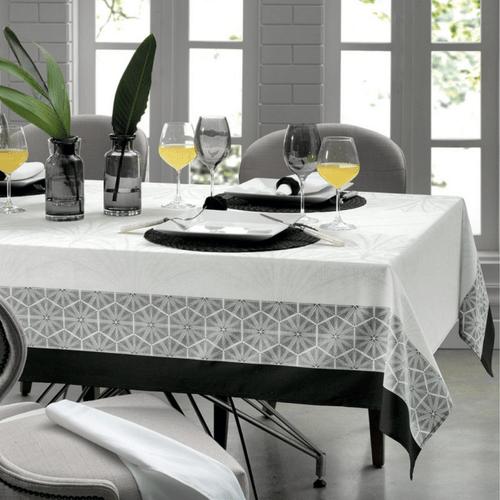 Toalha-de-Mesa-160-x-160-Karsten-Sempre-Limpa-Toledo-Ambientada