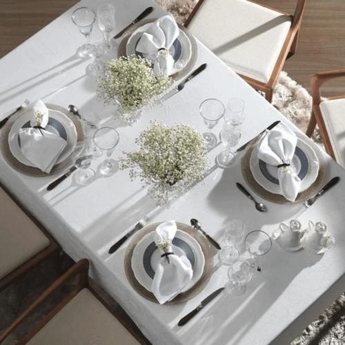 Toalha-de-Mesa-180-x-180-Karsten-Celebration-Sienna-Branca-Ambientada