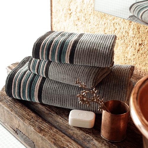 Toalha-de-Banho-Buddemeyer-Luxus-Braga-Cinza-P2-Ambientada
